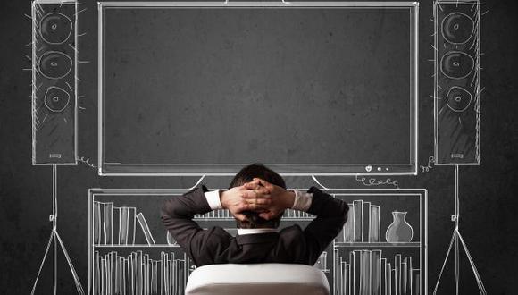 5 minutos es el tiempo que los ojos deben descansar por cada media hora de trabajo frente a una pantalla. (Internet)