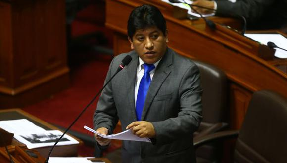 El congresista Josué Gutiérrez critica fallo sobre bonos. (Rafael Cornejo)