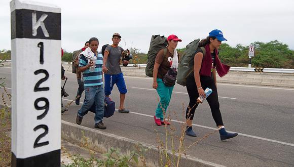 Los ciudadanos Venezuela que pasan por Perú para llegar a Chile deben tramitar su visa para el país sureño en Lima y ya no en Tacna. (Foto: AFP/archivo)