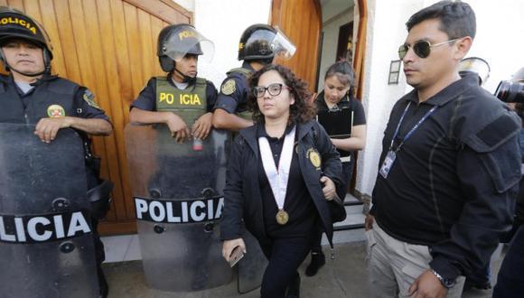 ¿CUELLOS BLANCOS EN LA PNP? La fiscal Sánchez sospecha de oficiales que retrasaron denuncia penal.