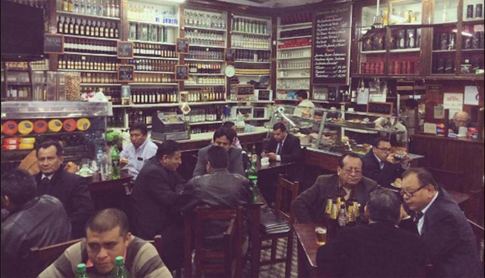 ¡Atención!: Ciro Maguiña advierte que reactivar bares, discotecas, cine y fútbol generaría focos de contagio de COVID-19  (Foto: Instagram/ jules410)