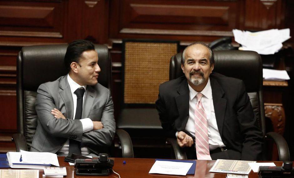 """""""Cuando en la oposición hemos estado entre nosotros coordinando, Richard Acuña era el más activo"""", afirmó Mauricio Mulder. (Foto: GEC)"""