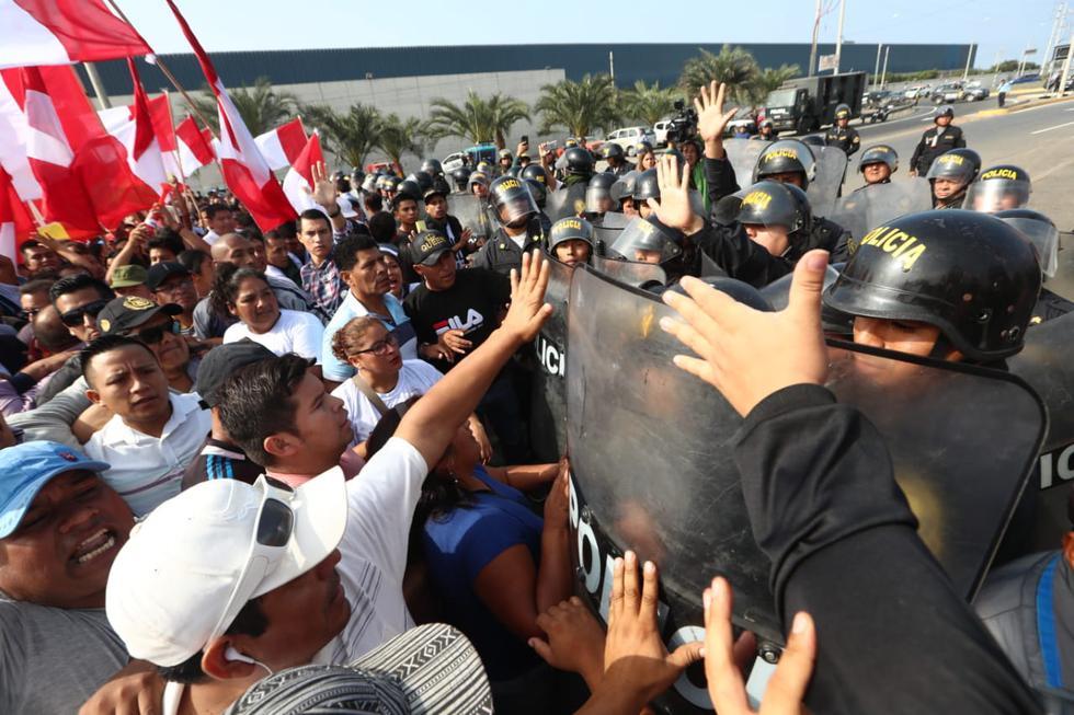Conductores y vecinos de los distritos de Puente Piedra y Lurín realizan protestas pacíficas en demanda de la nulidad de los peajes. (Fotos: Alessandro Currarino/GEC)