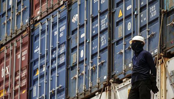 El crecimiento del comercio es afectado por las tensiones entre Estados Unidos y sus socios comerciales, dijo la OMC.(Foto: Reuters)