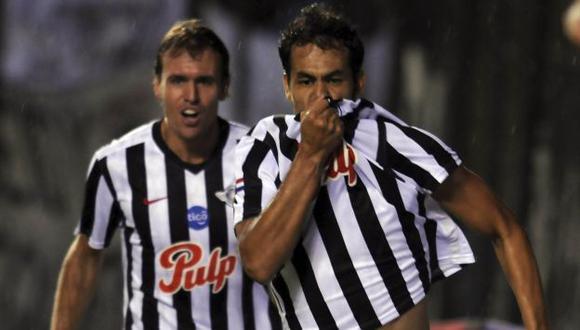 Pablo Velázquez abrió el camino del triungo de su equipo. (Reuters)