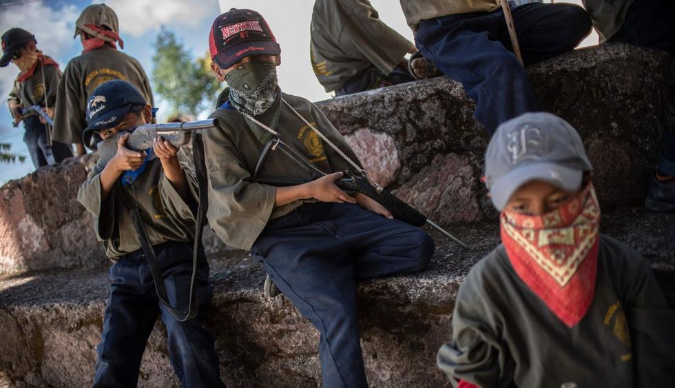 Un grupo de vigilancia mexicano capacita a niños para protegerse de los grupos criminales relacionados con las drogas. (AFP).