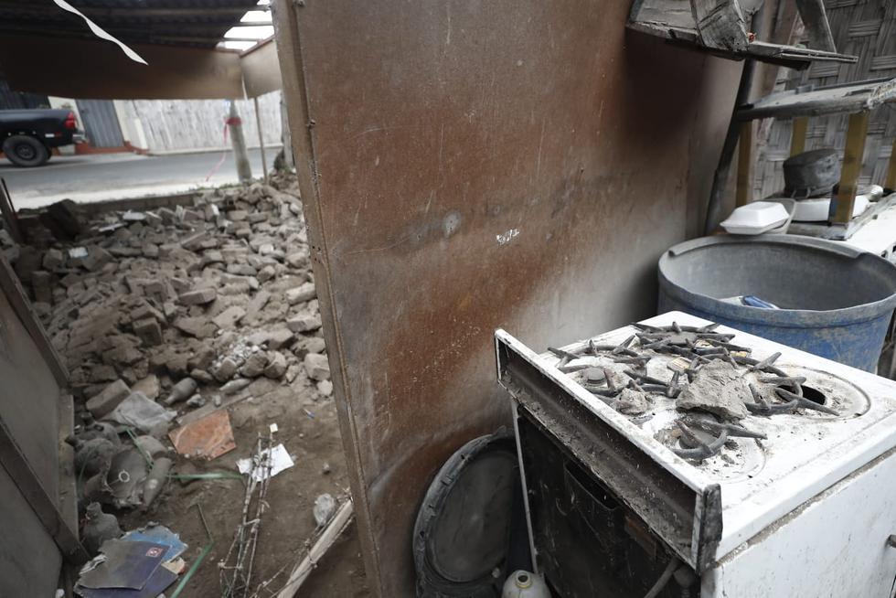Tras el fuerte sismo del último martes, diversas viviendas han quedado inhabitables por la caída de piedras y rocas. (César Campos/GEC)