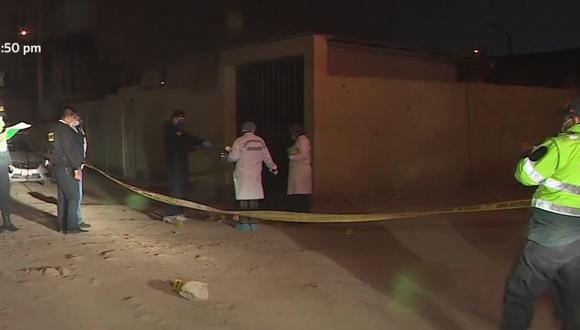 Peritos de Criminalística llegaron al lugar para recoger evidencias tras la muerte de niña de 3 años en Carabayllo. (Captura: América Noticias)
