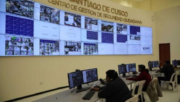 El distrito de Santiago cuenta con 170 cámaras de vigilancia para 120,000 habitantes. Hay cuatro comisarías y Serenazgo. (Andina)