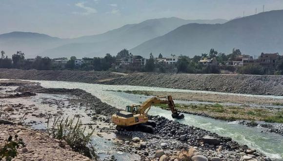 La Municipalidad de Lima detalló que los trabajos, que se iniciaron el pasado 26 de agosto, comprenden labores de conformación de dique, limpieza de material aluviónico y encauzamiento, lo que beneficiará a más de 1,600 vecinos. (Foto: MML)