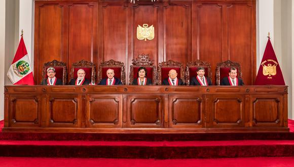 Seis de los siete magistrados del Tribunal Constitucional se encuentran con el mandato vencido desde el año 2019. (photo.gec)