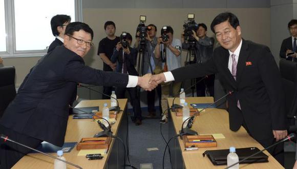 Norcorea también propuso a Seúl conversaciones sobre reuniones familiares y viajes. (AP)