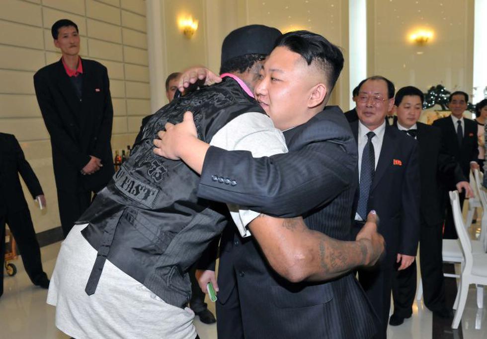 """En su visita a Pyongyang, el jugador se deshizo en comentarios hacia el dictador Kim Jong-Un. """"Usted tiene un amigo de por vida"""", le dijo Rodman. (Reuters)"""
