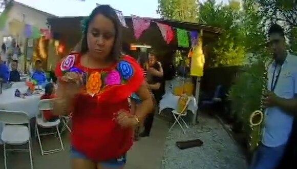 Los policías hicieron un alto a sus obligaciones y se convirtieron en el alma de la fiesta. (Foto: Carrollton Texas Police Department en Facebook)