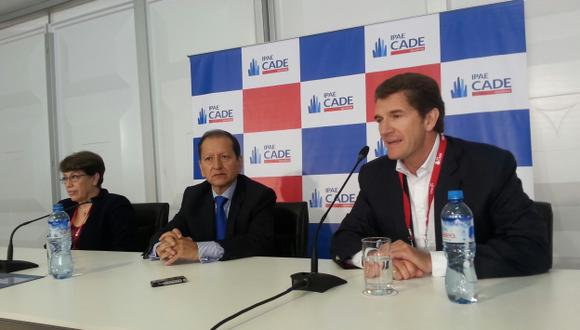ACERCAMIENTO. Jorge Merino e Ignacio Bustamante en la CADE. (Nancy Dueñas