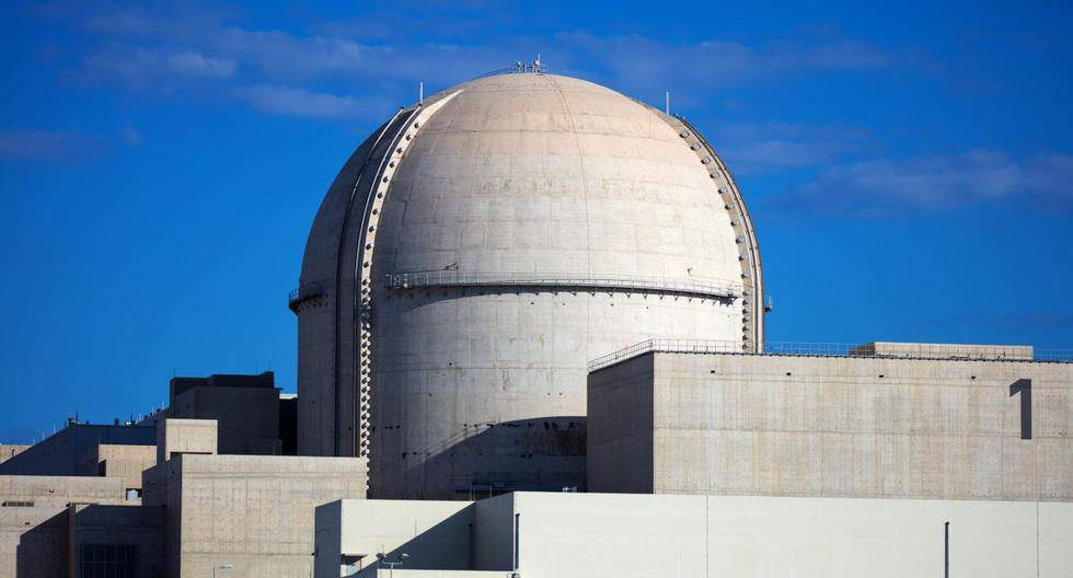 La planta de Barakah, ubicada en la costa del Golfo, debía estar en funcionamiento a fines de 2017, pero se enfrentó a una serie de retrasos que los funcionarios atribuyeron a los requisitos de seguridad y reglamentarios. (AFP).
