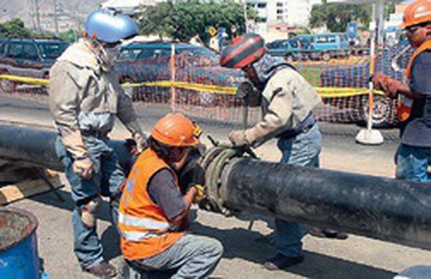 Otra etapa del tendido de ductos. Esta vez en las zonas urbanas, para acercar el servicio del gas natural a los hogares. (Fotos GEC)