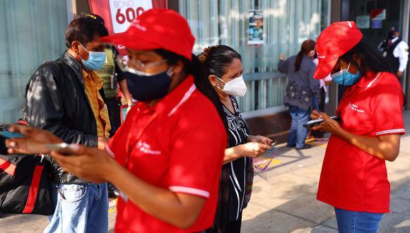 Los beneficiarios del grupo 4 ya empezaron a cobrar el bono 600 soles desde el pasado 29 de marzo. (Foto: GEC)