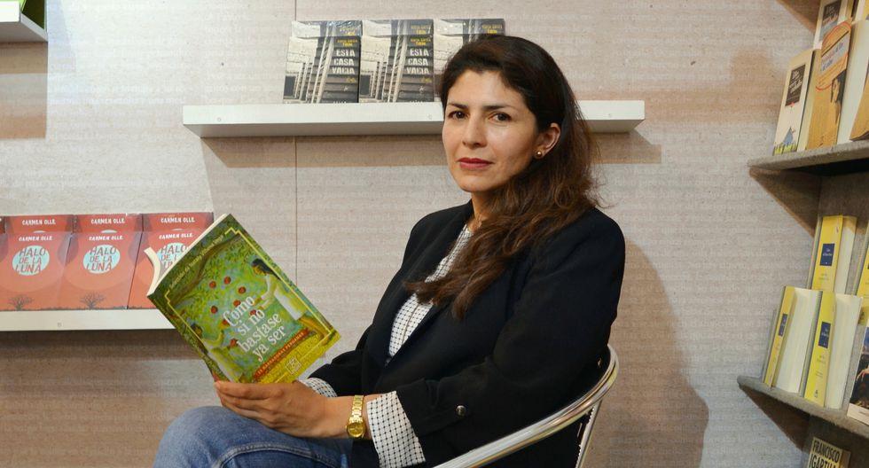 Nataly Villena Vega (Cusco, 1975) seleccionó a las 15 narradoras. (Rosana Lopez-Cubas).