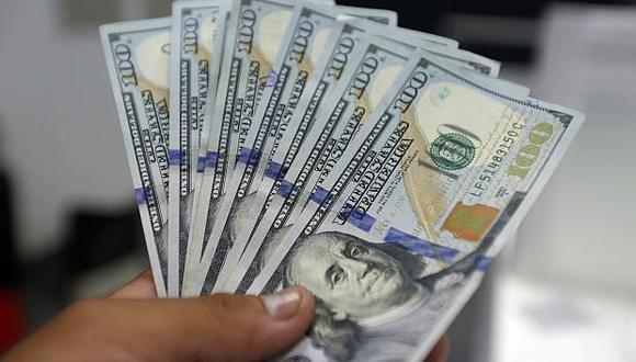 El tipo de cambio cotizaba a S/3.295 la compra y a S/3.325 la venta en el mercado paralelo en horas de la mañana. (Foto: GEC)