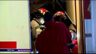 Chorrillos: Dos personas quedan atrapadas tras derrumbe de cerro