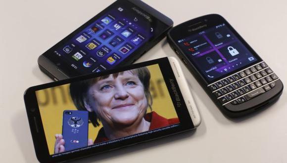 Polémica por supuesto espionaje telefónico a Angela Merkel. (Reuters)