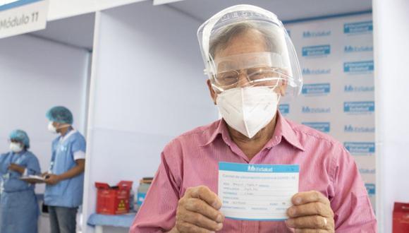 La vacunación de adultos mayores comenzó el pasado 8 de marzo, y los puntos de inmunización se ampliaron a 9.  (Foto: Andina)