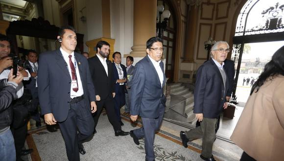 El ministro de Justicia, Vicente Zeballos, destacó la experiencia política del congresista Carlos Bruce. (Foto: Mario Zapata / GEC)