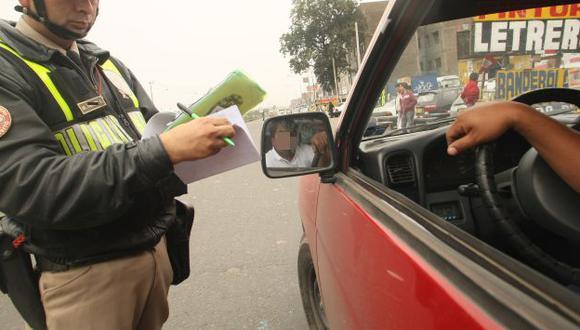 Policía Nacional impuso papeletas. (USI)