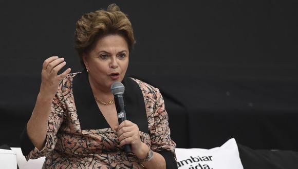 """""""Hay 20 millones de habitantes en la Amazonía, no es un desierto"""", aseguró Dilma Rousseff en una conferencia en París. (AFP)"""