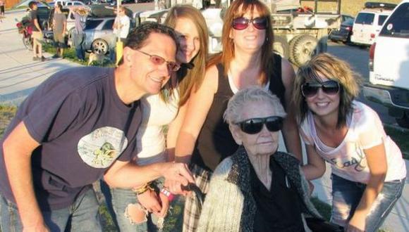 La anciana estará en el libro de récords Guinness. (Internet)
