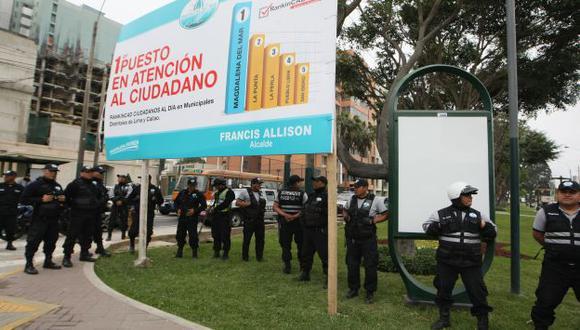 TENSIÓN. Serenos de San Isidro y Magdalena fueron desplegados en la zona limítrofe. (Nancy Dueñas)