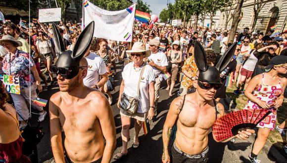 Imagen muestra una pasada Marcha del Orgullo LGTBI en Hungría. (Foto referencial: EFE)