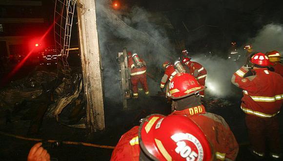 Incendios en Lima: Bomberos lanzan alerta por fiestas navideñas. (USI)