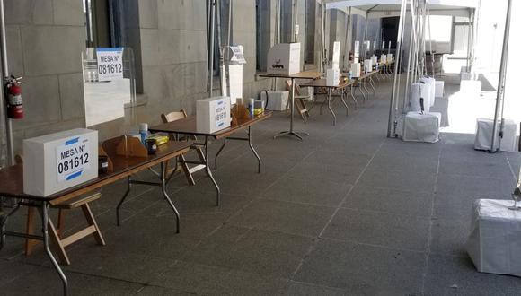 Mesas de sufragio en local de votación en San Francisco (Perú21).