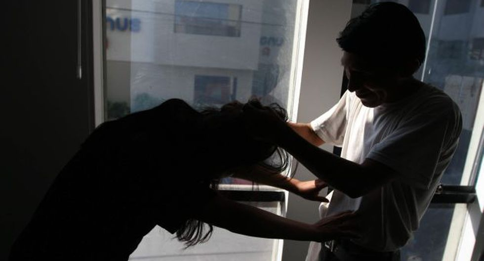 Gobierno promulgó ley de protección a la mujer y familia en caso de violencia. (Perú21)