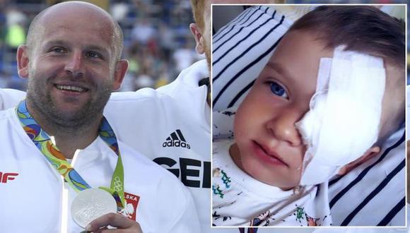 Piotr Małachowski subastará la medalla de plata de ganó en Río 2016 para ayudar a un niño con cáncer. (Reuters/Facebook)