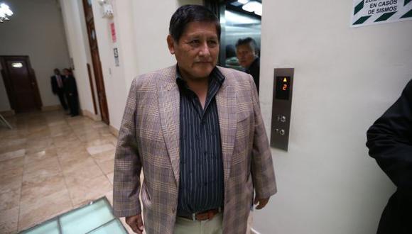 Prioriza acciones. El legislador Juan Pari anota que la pesquisa se centrará en casos emblemáticos. (Rafael Cornejo)