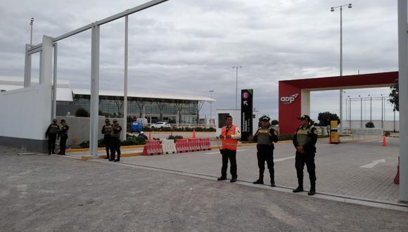 El acceso al aeropuerto quedó suspendido tras la amenaza. (GEC)