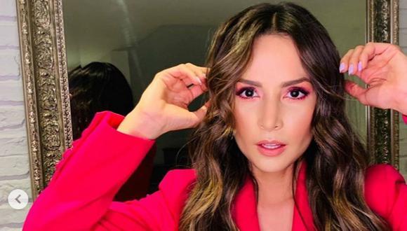 Carmen Villalobos dio a conocer que sufre el trastorno de bruxismo por lo que usa una férula. (Foto: Instagram)