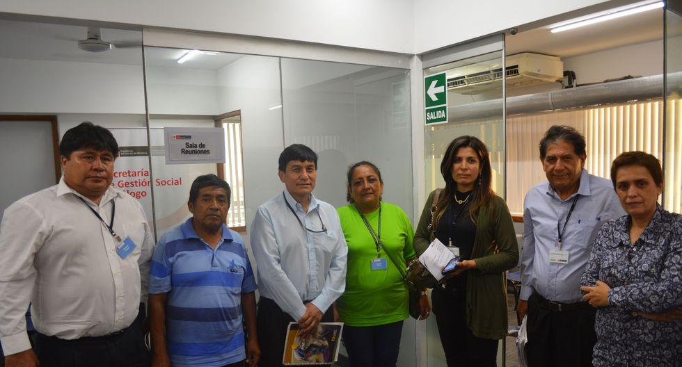En la reunión participó el alcalde del Centro Poblado Corral Alto, dirigente de los comerciantes y representantes del colectivo Olmos. (PCM)
