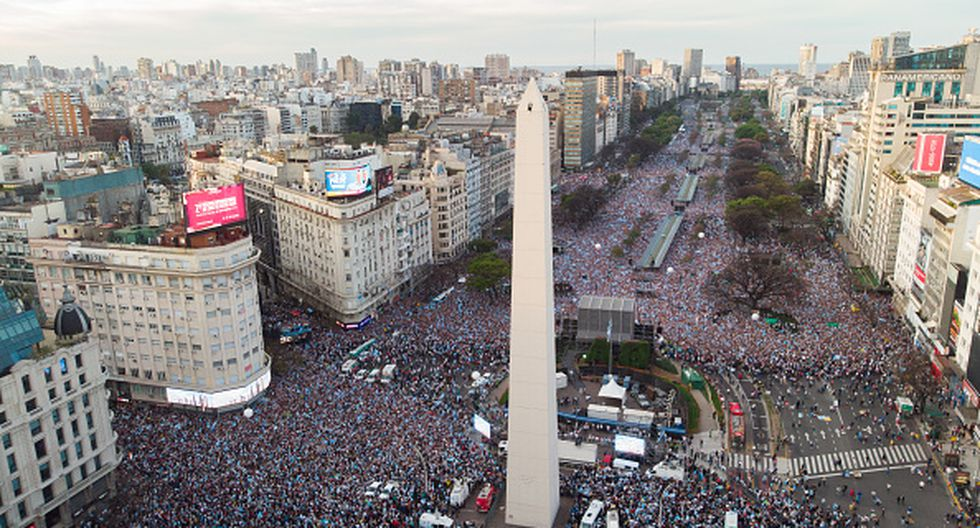 In this aerial view the Argentina's obelisk is surrounded by supporters of Argentina's President Mauricio Macri gather for a massive campaign rally in Buenos Aires, Argentina, Saturday, Oct. 19, 2019. Argentina will hold its presidential election on Oct. 27, with Macri running for reelection in disadvantage. (Photo by Mario De Fina/NurPhoto via Getty Images)