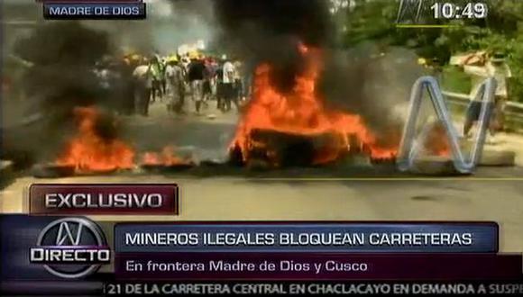 Llantas en llamas impedían el paso por el puente Cachimayo. (Canal N)