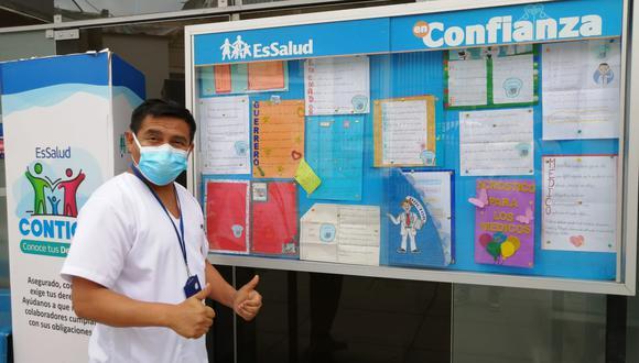 """Este noble gesto forma parte de del Proyecto Educativo """"Escribamos para la comunidad"""", con el objetivo de brindar apoyo emocional al personal médico y formar mejores ciudadanos (Foto: EsSalud)"""