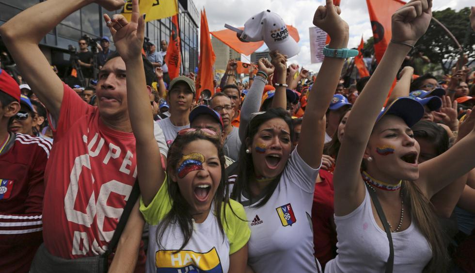 Miles de opositores a Maduro salieron a las calles para expresar su indignación por la profundización de la crisis económica del país. (AP)