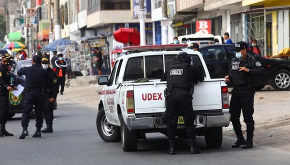 Personal de la UDEX se hizo presente en el lugar para desactivar las granadas. (Fotos: Gonzalo Córdova / @photo.gec)