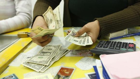 A LA BAJA. Mejoras en la economía peruana también debilitan al billete verde. (USI)