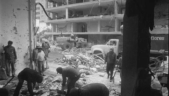 Veinticinco vidas se acabaron en unas horas solo porque Sendero Luminoso quería  demostrar su sanguinario poder en Lima. (FOTO: El Comercio)