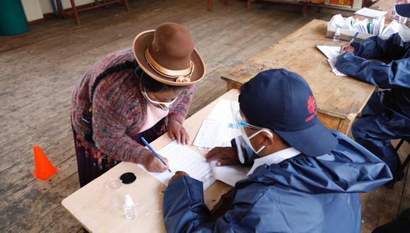 La distribución se inició en el distrito de Condoroma y contó con la presencia de ministro de Energía y Minas. (Foto: Minera Antapaccay)