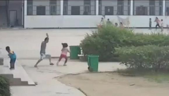 Ocho menores registraron heridas graves tras el ataque de un hombre drogado. (Internet)